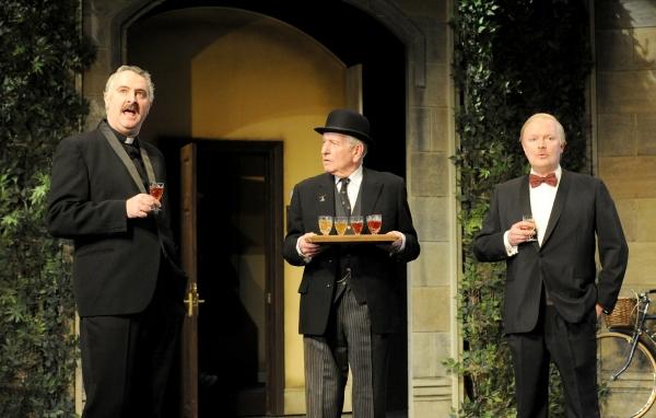 John Hodgkinson (Sainsbury), Keith Barron (Birkett) and Simon Coates (Tate)